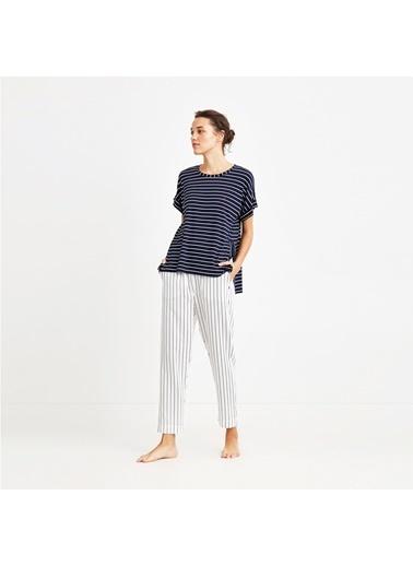 Nautica W103PJTK.LACI Nautıca Kadın Lacivert Çizgili Pijama Takımı Lacivert